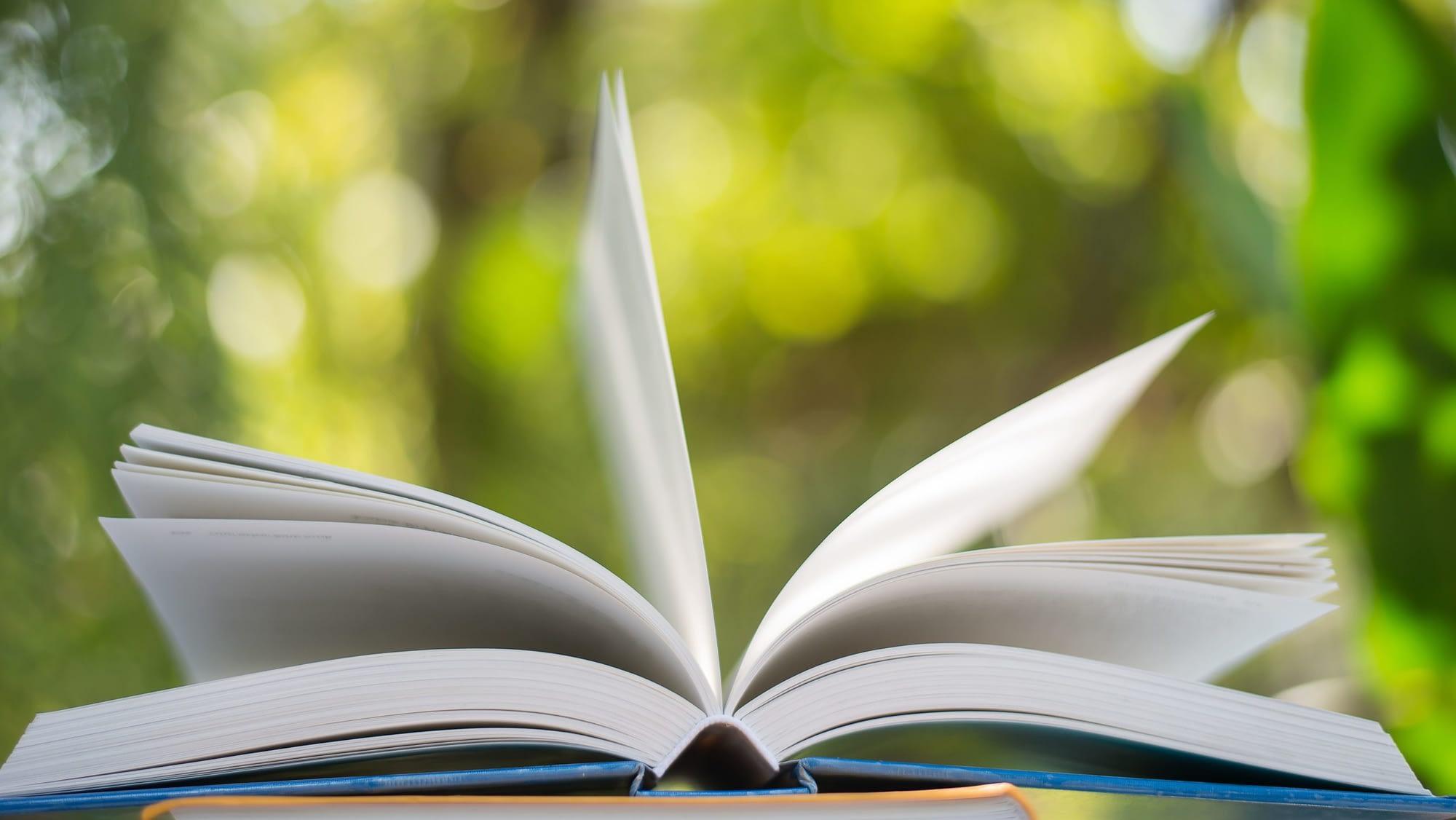 Livre ouvert  Importance de la lecture pour l'espérance de vie