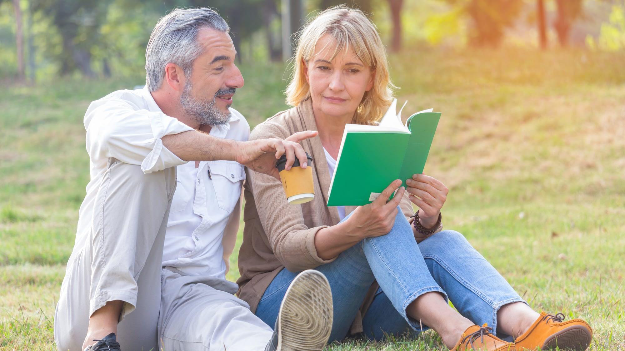 Attentes à la retraite : Lire et profiter de son conjoint